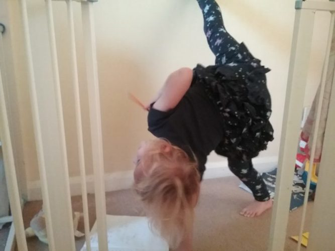 whilst doing it she started doing acrobatics